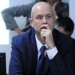 Para Sturzenegger continuará el estancamiento economico
