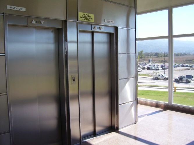 ascensores-1-y-2-planta-baja