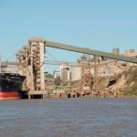Truchada Argenta: para evadir retenciones, exportan maíz mezclado con soja