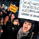España marcha para defender el derecho a abortar