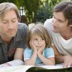 Parejas homosexuales, mas flexibles al momento de adoptar un niño