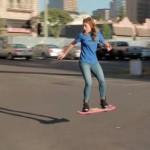 Nuevos inventos incluyen skate volador y heladera con licuadora