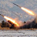 Corea del Norte simula combates lanzando misiles