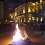 Tucumán: Quema de urnas, denuncias de fraude y cacerolazo reprimido