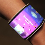 Lenovo presenta prototipos de teléfono que se convierte en pulsera y tablet  plegable