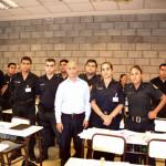 La nueva orden de Ocampo: Civiles en comisarias, policías a la calle