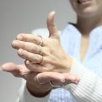 Las oficinas públicas contarán con interpretes de legua de señas para ampliar el acceso a los discapacitados