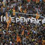 Catalanes vuelven a marchar en reclamo de su independencia