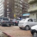 La odisea de estacionar en la Ciudad: La mitad de los conductores no tiene lugar para sus vehículos