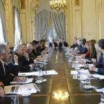 Macri se reunió con gobernadores y canjeó cambios en Ganancias por apoyo a la reforma electoral
