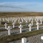 Inician ronda de reuniones para identificar a soldados argentinos sepultados en Malvinas