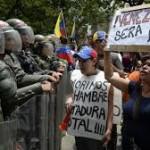 En plena crisis política, Maduro aumenta en salario mínimo por tercera vez en el año