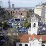 La CGT anunció un plan de lucha en una masiva movilización a Plaza de Mayo