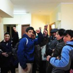 """Tensión en Esquel:  Mapuches """"ocupan"""" el juzgado de Otranto pidiendo su renuncia en el caso Maldonado"""
