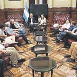 Sale o sale: Mientras se debate el DNU para desburocratizar el Estado, el oficialismo prepara proyectos del mismo tenor