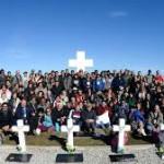 """Al fin llegó el día: Familiares de los caídos en Malvinas que fueron identificados pudieron """"despedirse"""" frente a sus tumbas"""