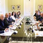 """Peña y Frigerio recibieron a los jefes de bloque del Senado para debatir sobre la """"transparencia"""" en materia de sueldos y canjes de pasajes aéreos"""