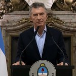 Cambios que huelen a menenismo y se escuchan como el 2001: Macri recurre al FMI para frenar la crisis económica