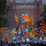 Independencia de Cataluña: Una multitud se movilizó en conmemoración del primer aniversario del referéndum