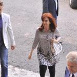 CFK pasó por tribunales y presentó un mismo escrito para las ocho causas por las que había sido citada por Bonadío