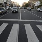 Con asfalto por adoquines, le bajan el ruido a la avenida más infernal de la Ciudad