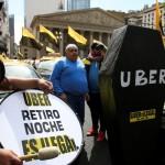 Al menos diez cortes en la Ciudad de los taxistas contra Uber y Cabify