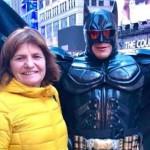 """Patricia Bullrich se cruzó a un Batman argentino en Times Square y juntos cantaron """"Vamos a volver"""""""