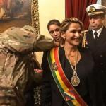 Sin quórum, Jeanine Añez se autoproclamó presidenta en La Paz
