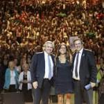 """El Presidente encabezó el lanzamiento de la Semana de las Mujeres en el CCK:  """"Alberto presidenta"""", le coreó el feminismo"""