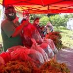 Bolsones de verduras de la UTT para Villa Azul aislada por coronavirus
