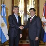 En plena cuarentena estricta, Mauricio Macri viajó a Paraguay para reunirse con Horario Cartés