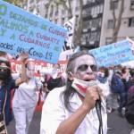 Enfermeros de hospitales marcharon a la Legislatura por la profesionalización de la actividad